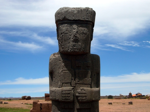 Monolito_Ponce_en_Tiwanaku_-_Bolivia