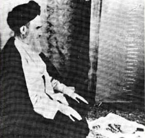 خمینی_در_نماز