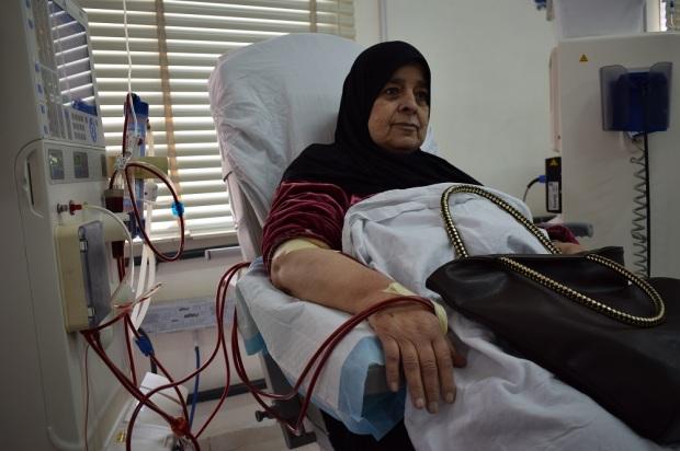 Old woman in Hamshary hospital, Saida